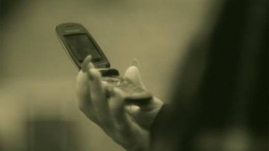 483037-adele-s-flip-phone-open